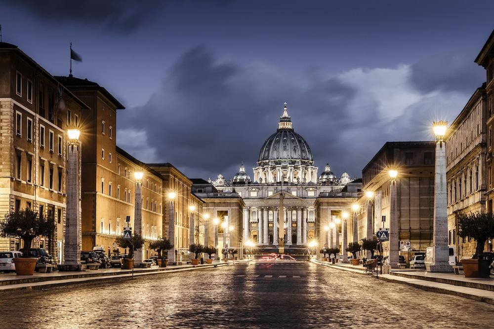 Basílica de San Pedro, desde las calles del Vaticano