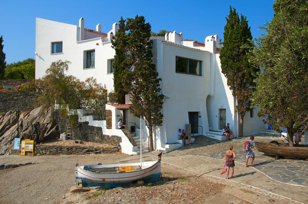 Casa museo dal barcelona - Casa rural en cadaques ...