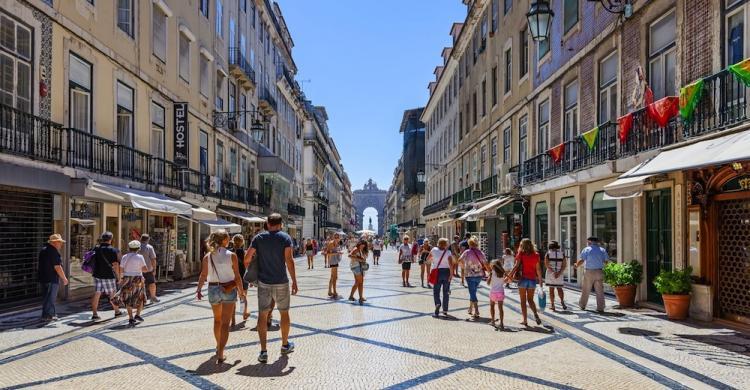 Compras en lisboa tiendas calles y centros comerciales productos t picos lisboa - Comprar ropa en portugal ...