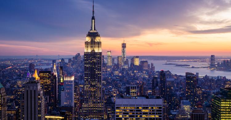 Resultado de imagen de skyline nueva york de noche