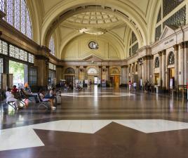 Como llegar a barcelona distancias aeropuertos trenes for Como ir de barcelona a francia