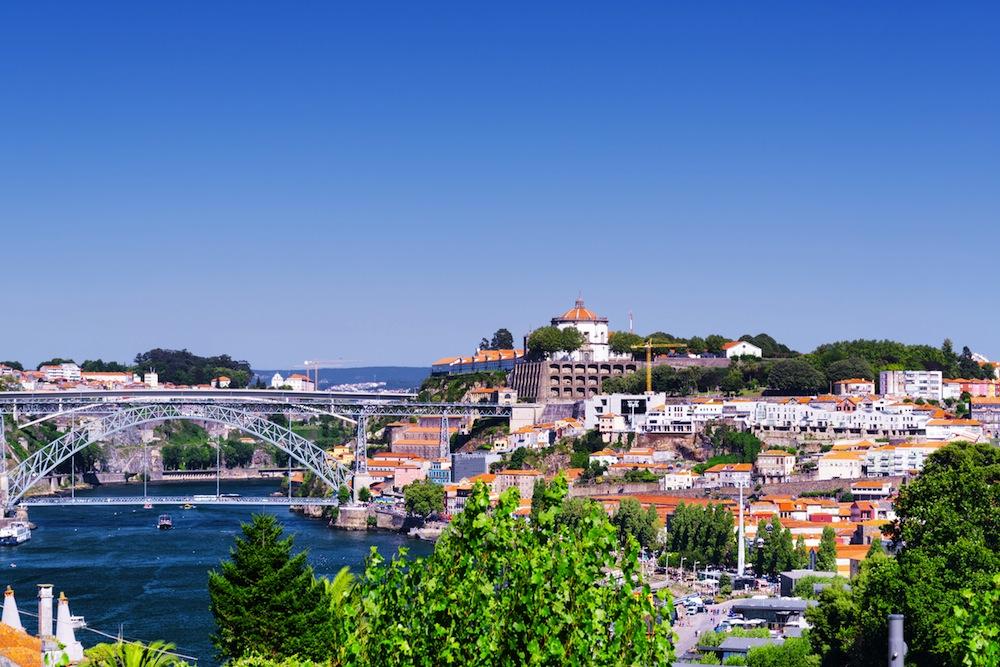 El tiempo en Oporto por mes: